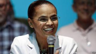 Marina Silva announces endorsement for Aecio Neves