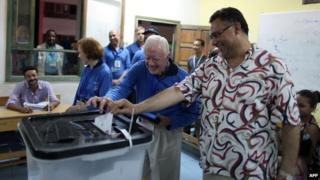 Former US President Jimmy Carter observes Egypt's presidential election in Cairo on 24 May 2012