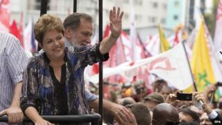 Dilma Rousseff in Curitiba, southern Brazil on election campaign 17 Oct 2014
