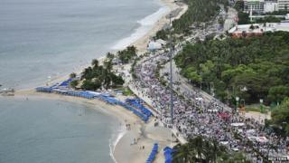 Protesters in Acapulco march along the sea front Oct 17 2014