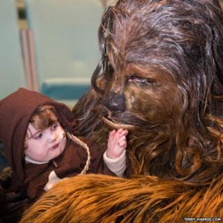 Alexander, 2, meets Chewbacca