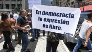 Venezuelan journalists protest in support of the freedom of expression in Caracas, August 20, 2009.