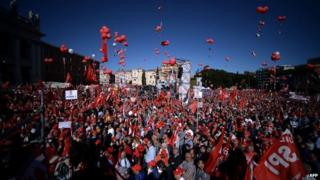 Protesters pack Rome's San Giovanni square, 25 Oct
