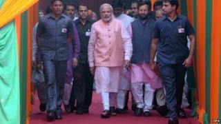 Indian PM Narendra Modi meets journalists, 25 October 2014