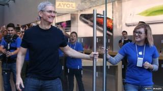 Tim Cook, Apple Store Palo Alto, California