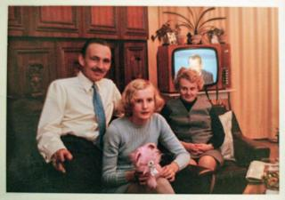 Daniela Walther with her parents after the move to West Germany in 1969