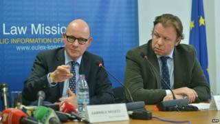 Eulex chief Gabriele Meucci (left) speaking to reporters in Pristina, 30 Oct 14