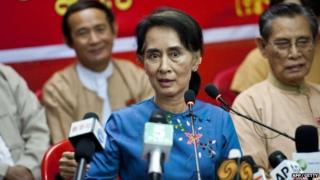 Aung San Suu Kyi speaks in Yangon on 5 November 2014