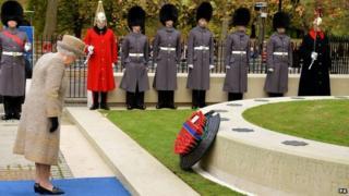 The Queen lays a wreath at Wellington Barracks