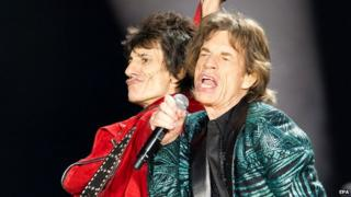 Ronnie Wood and Mick Jagger on stage in Adelaide, October 2014