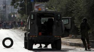 Palestinians clash with Israeli soldiers in the West Bank. Photo: 11 November 2014