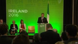 Irish Prime Minister (Taoiseach) Enda Kenny was heckled as he outlined his government's programme of 1916 Easter Rising centenary commemorations