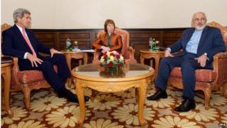 John Kerry (left), Catherine Ashton (centre) and Mohammad Javad Zarif (10/11/14)
