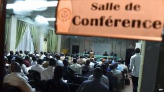 Talks on the transition in Ouagadougou. 13 Nov 2014