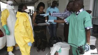 A training session for Congolese health workers to deal with Ebola virus in Kinshasa, Democratic Republic of Congo on 21 October 2014