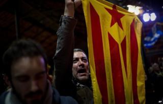 Catalans celebrate vote (9 Nov)