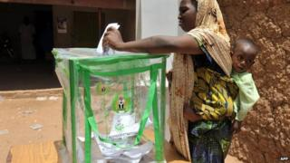 Nigerian woman voting