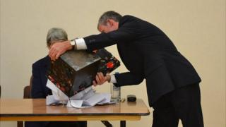 Sark election 2012: Votes being counted