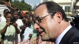French President Francois Hollande in Guinea (28 November 2014)