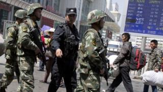 Chinese paramilitary policemen Xinjiang (May 2014)