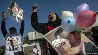 Pro-Mubarak demonstrator