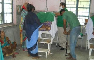 Doctors using bicycle pump in sterilisation surgery in Orissa