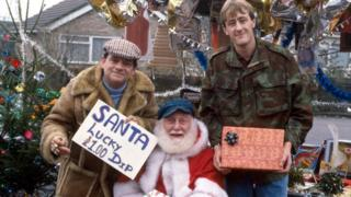 Sir David Jason, Buster Merryfield and Nicholas Lyndhurst in a 1986 edition of Only Fools and Horses