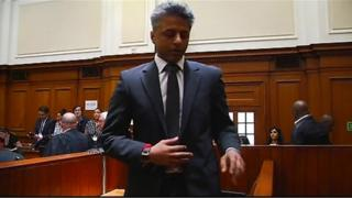 Shrien Dewani leaving the dock