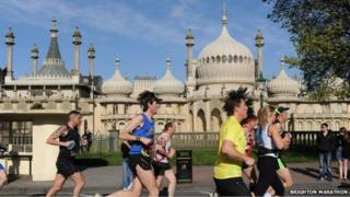 Runners in the Brighton marathon