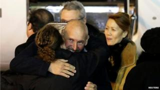 Ex-hostage Serge Lazarevic arrives back in France (10 December)