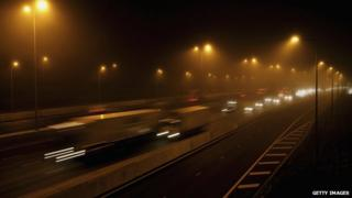 M25 at night