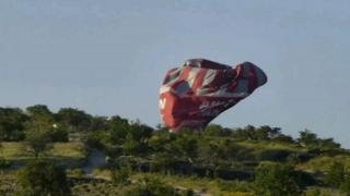 Hot air balloon crashes to ground in Turkey, 2013
