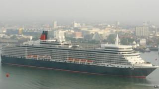 Cunard's Queen Elizabeth arrives in Southampton for the first time in 2010