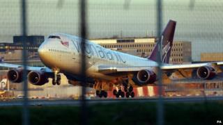 Virgin Atlantic 747 landing at Gatwick