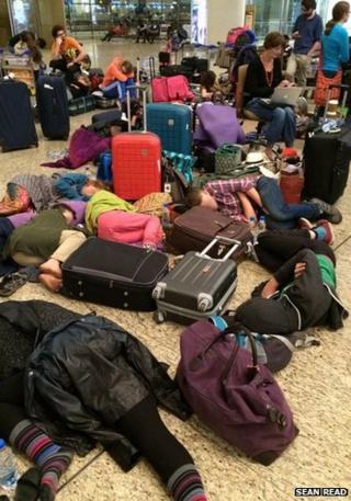 Passengers stranded in Mumbai Airport