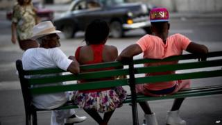 People on a bench in Havana 04/01/2015 Associated Press