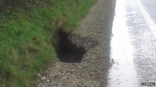 Hole on the A30