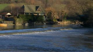 Swineford Lock, River Avon between Bath and Bristol