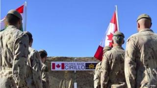 Canadian soldiers in memorial service to fallen colleagues