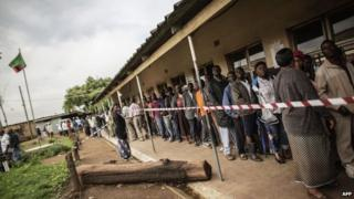Voters queue at Kanyama primary in Lusaka. 20 Jan 2015