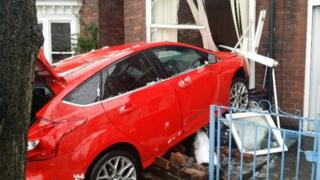 Car crashes into house on Argyle Road, Sheffield