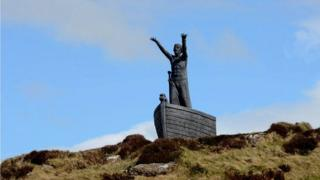 The statue had became a popular tourist attraction in the area since its installation about a year ago