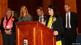 Marie Penman (centre) won the Kirkcaldy East council by-election.