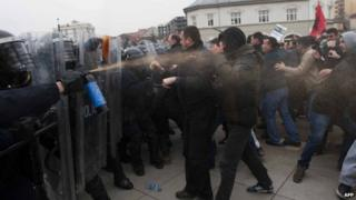 Clash in Pristina, 27 Jan 15