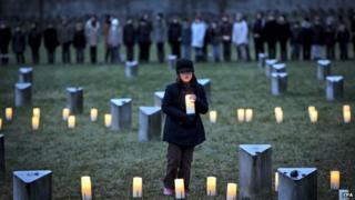 Commemoration at Jewish cemetery in Terezin, 27 Jan 15