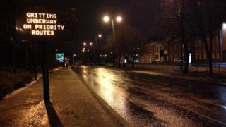 Gritting sign, Sheffield, 29/1/15