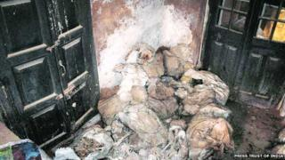 Sacks containing human skeletons in Uttar Pradesh, 29 Janaury 2014