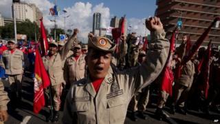Venezuelan soldiers in anti-US march, 15 Dec 14