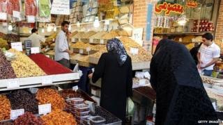 Bazaar in Tehran (file photo)