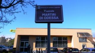 The signpost for the piazza